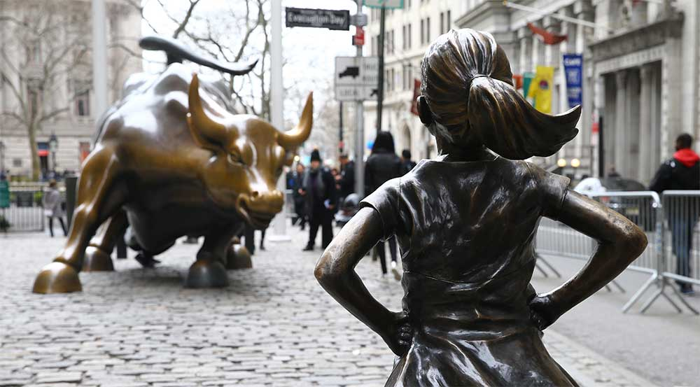 //resources.smartbizloans.com/wp-content/uploads/fearless-girl.jpg